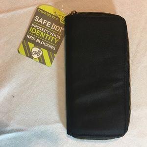 Travelon RFID black zip wallet NWT